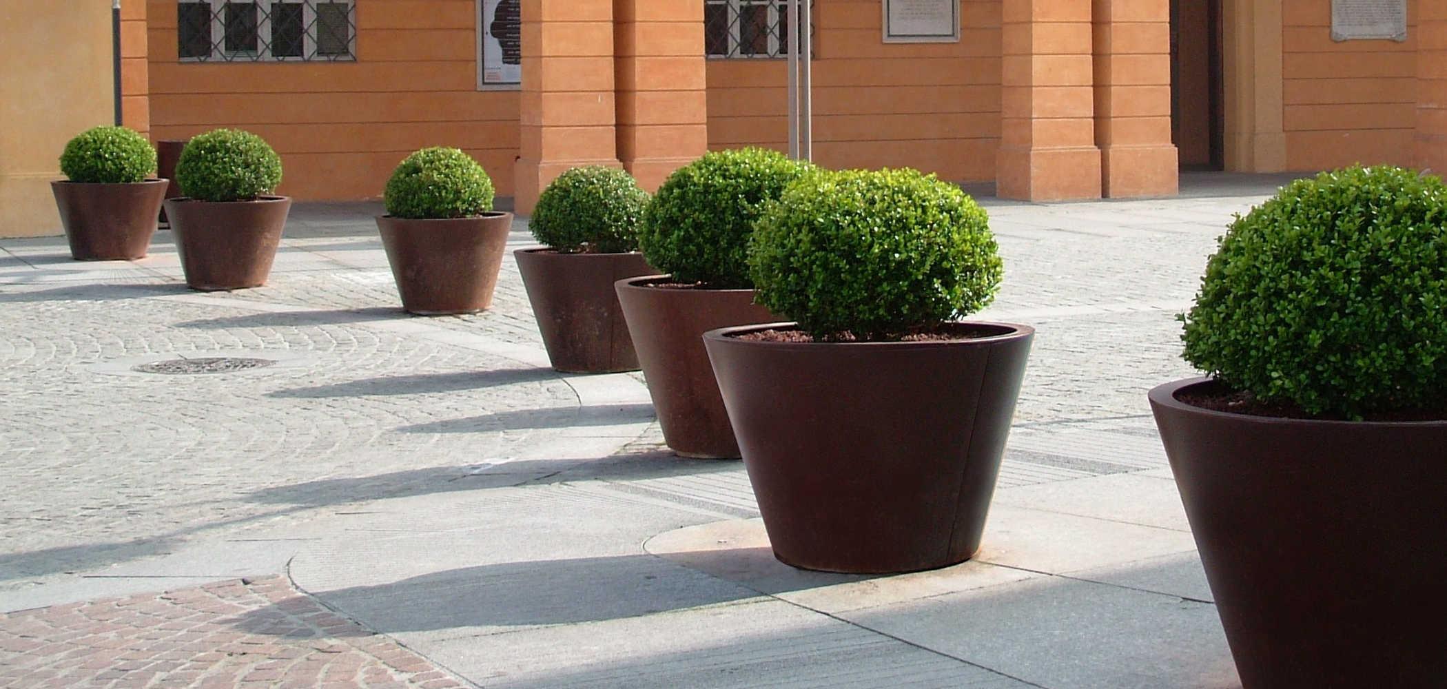 Pitocca fioriere in acciaio metalco for Metalco arredo urbano